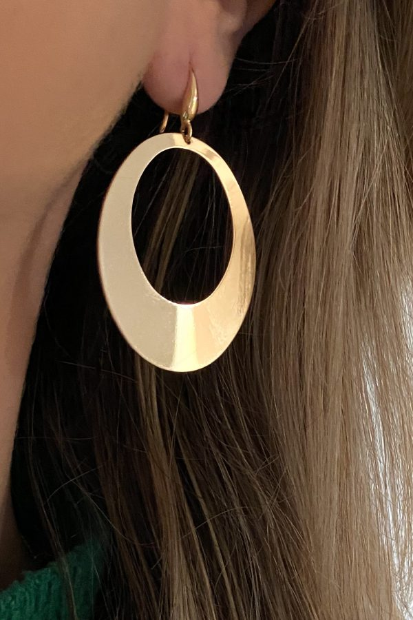 la Beij oorbellen goud ovaal in oor