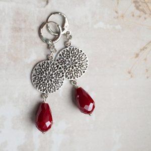 la beij oorbellen ring zilver druppel rood